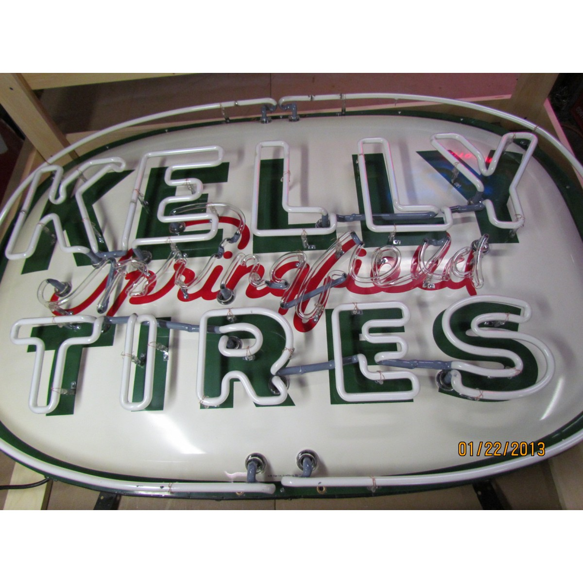 old kelly springfield tires sign with neon sspn 60 x 41. Black Bedroom Furniture Sets. Home Design Ideas